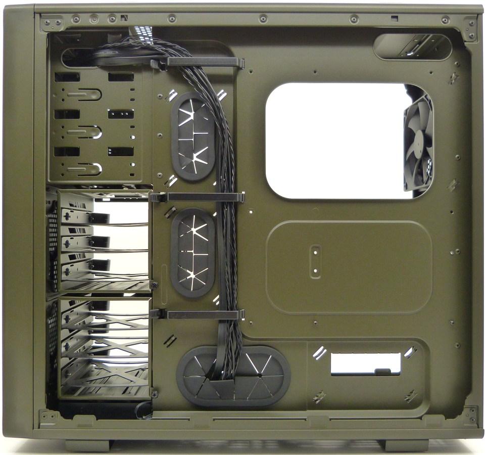 http://www.islabit.com/wp-content/imagenes/raul/corsair-vengeance-c70-military-green/48-corsair-vengeance-c70-military-green.jpg