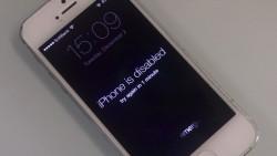 Un chino bloquea su iPhone 4s por 45 años