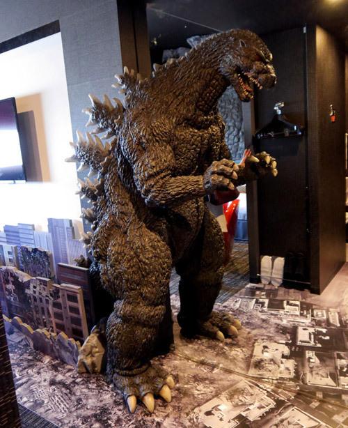 Hotel Godzilla 4