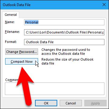 """La carpeta que tenemos de elementos eliminados no es grande, pero debemos vaciarla de todos modos antes de compactar nuestro archivo de datos. Haga clic en """"Cerrar"""".15"""