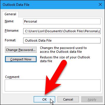 """La carpeta que tenemos de elementos eliminados no es grande, pero debemos vaciarla de todos modos antes de compactar nuestro archivo de datos. Haga clic en """"Cerrar"""".18"""