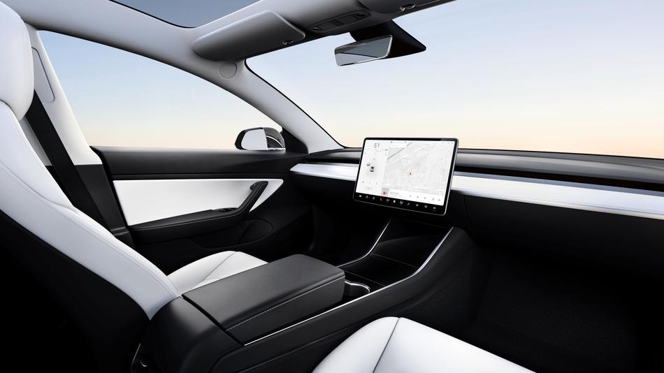 Tesla robot taxi