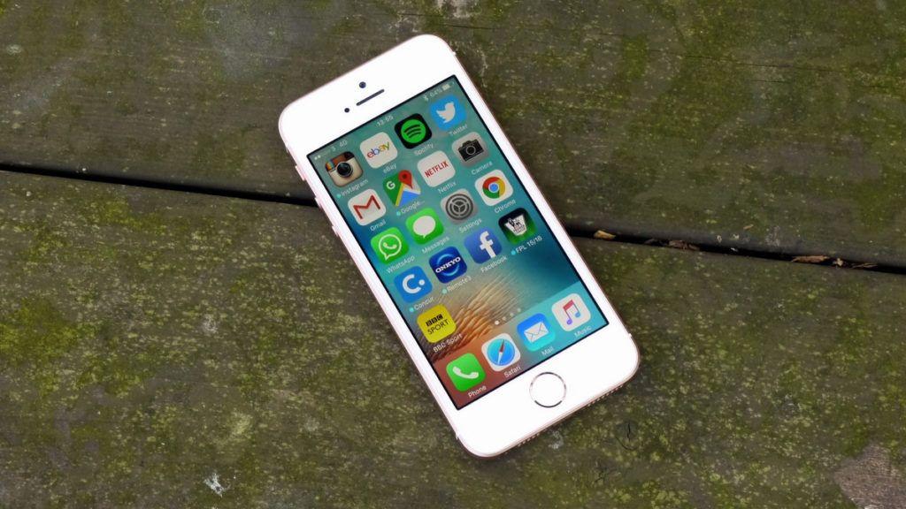 ¿De qué forma puedes bloquear remitentes en la aplicación de correo en iPhone y iPad?