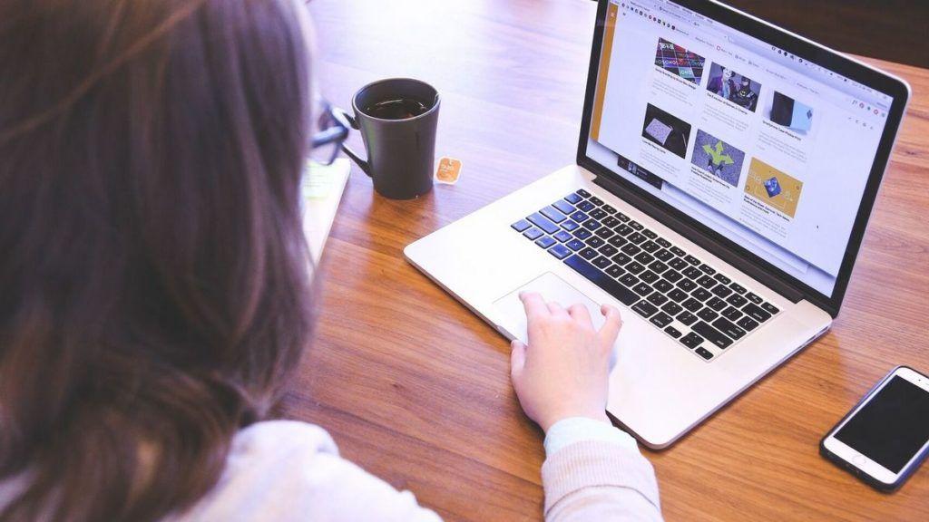 ¿De qué manera puedes editar cualquier página web en Chrome o en otro navegador?