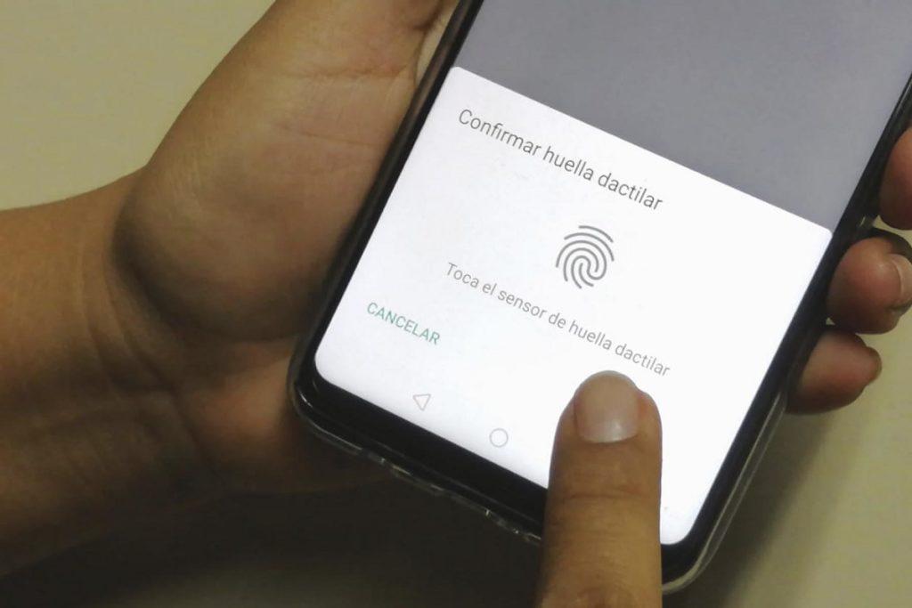 Bloquear WhatsApp huella reconocimiento facial iOS Android 3