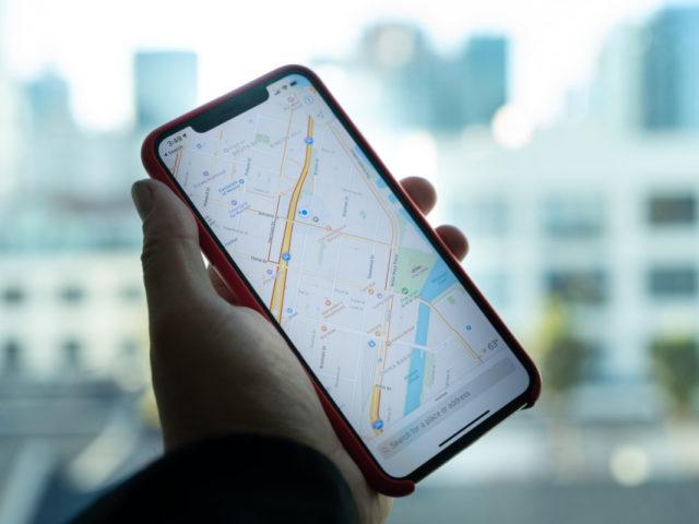 Ubicación activa en el móvil: pocas ventajas, mucho riesgo