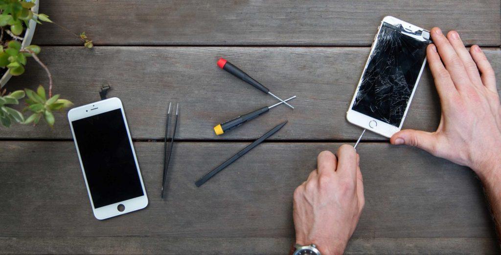 Reparar los móviles, una tendencia que crece