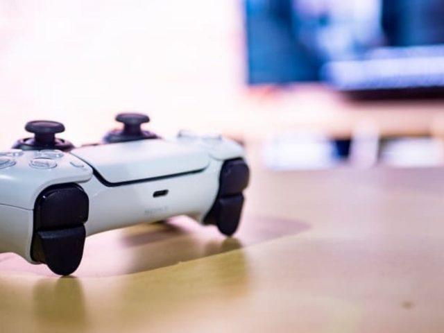 ¿Cómo descargar juegos de PS5 desde tu teléfono?