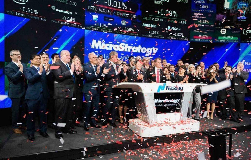 MicroStrategy compra otros 10 millones en Bitcoin