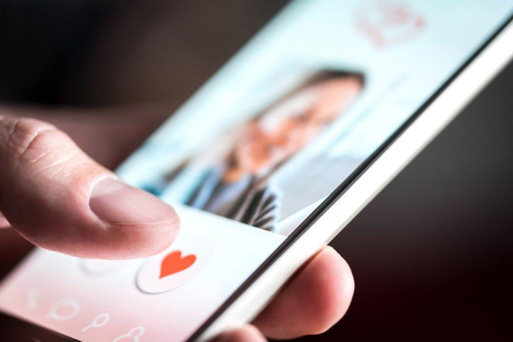 El matrimonio entre la tecnología y las citas en línea