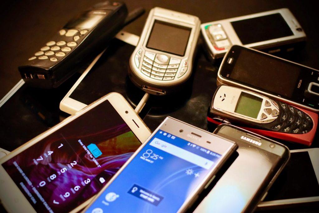 teléfonos antiguos redes modernas 2