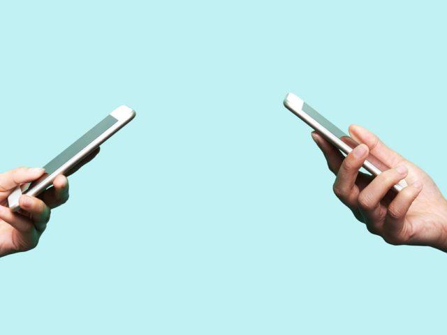 ¿Cómo eliminar automáticamente los SMS en Android o iPhone?