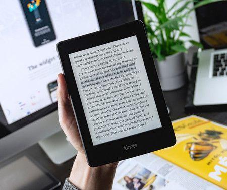 Cómo restablecer de fábrica o reiniciar Amazon Kindle.