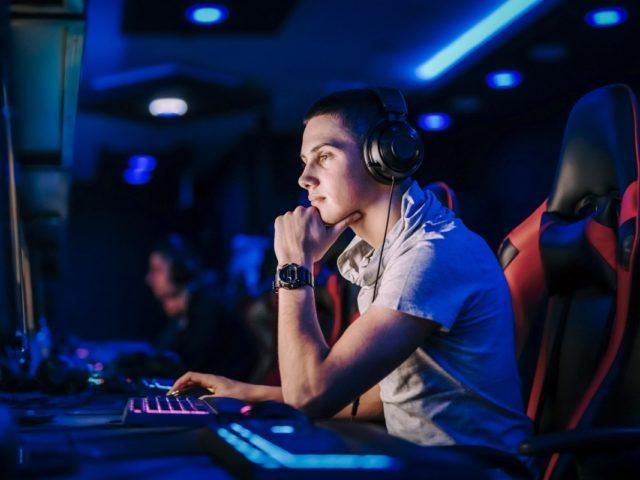 ¿Es ilegal jugar World of Warcraft en servidores privados?