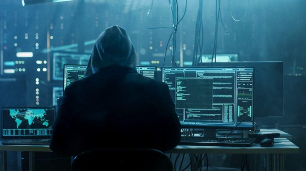 Piratas informáticos: ¿quiénes son y cómo actúan?