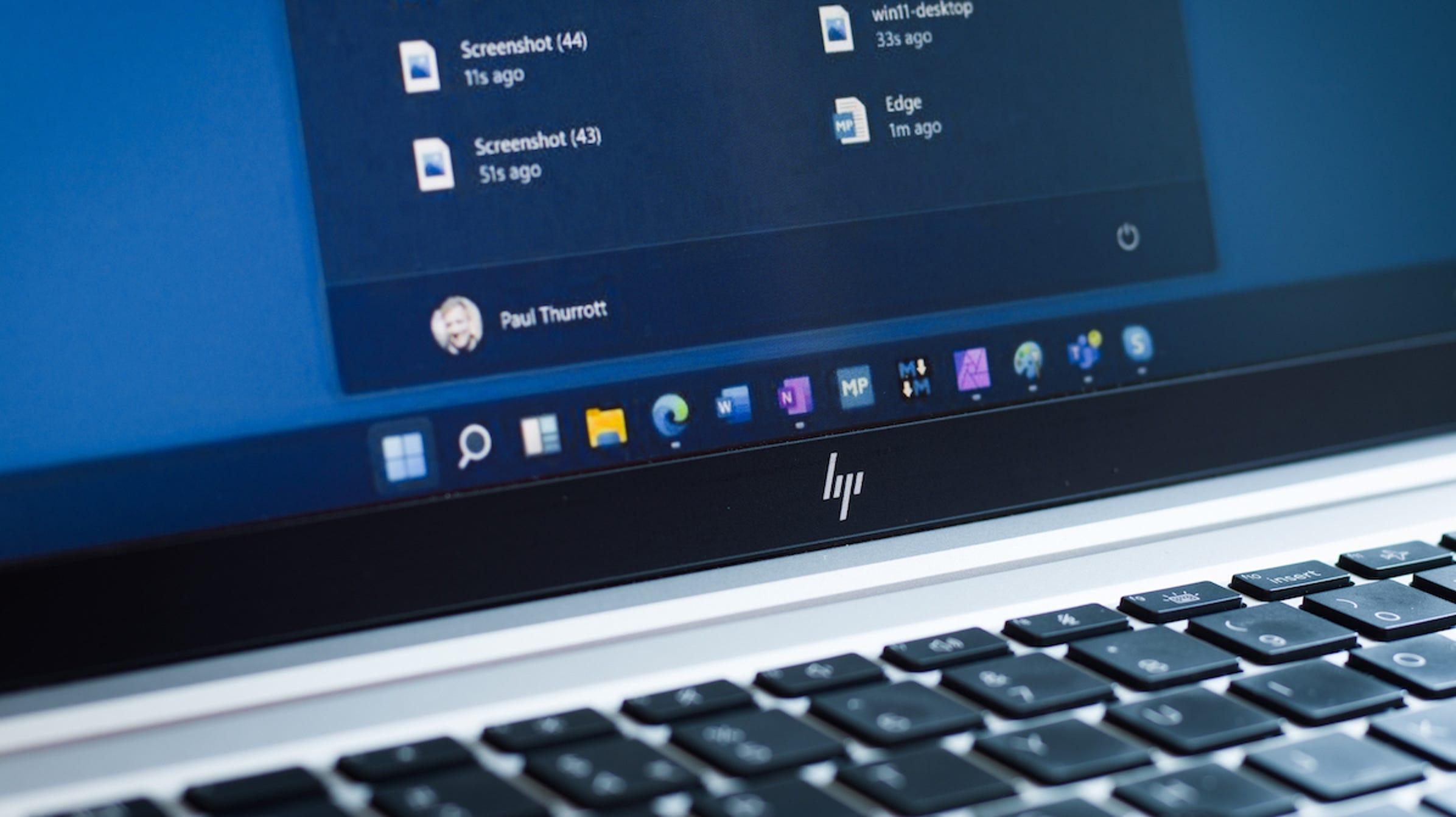 Cómo ocultar o desactivar el icono o botón de búsqueda de la barra de tareas en Windows 11.